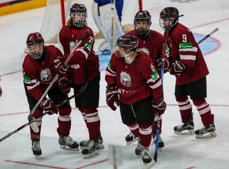 Latvijas U-18 izlases hokejisti.