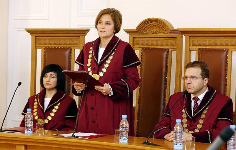 Satversmes tiesa (ST) savā spriedumā norādījusi uz Saeimas likumdošanas procesa brāķi. Attēlā no kreisās: ST priekšsēdētājas vietniece Sanita Osipova, ST priekšsēdētāja Ineta Ziemele un ST tiesnesis Aldis Laviņš.