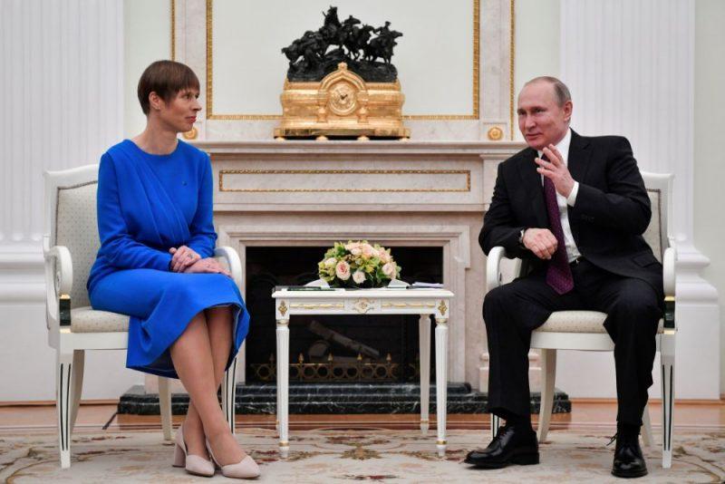 Igaunijas prezidente Kersti Kaljulaida un Krievijas prezidents Vladimirs Putins.