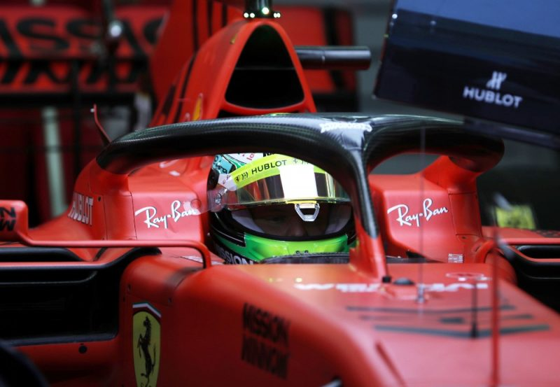 "Miks Šūmahers pie ""Ferrari"" formulas stūres."