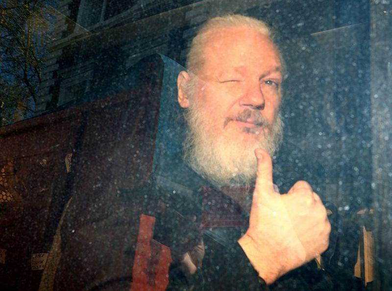 """""""WikiLeaks"""" dibinātājs Džūljens Asanžs."""