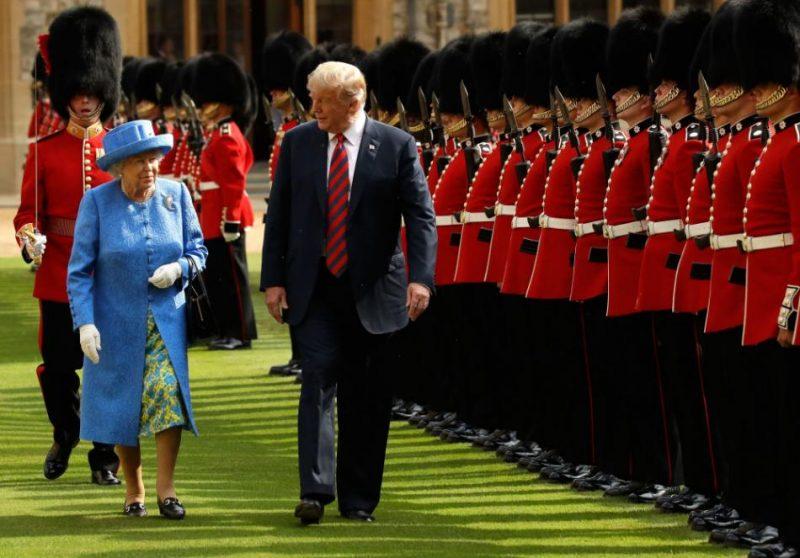 Tramps tikās ar Elizabeti II 2018. gada jūlijā.