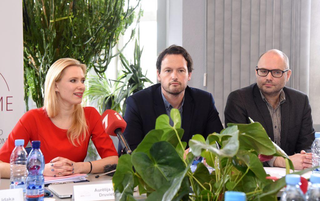 Nacionālās elektronisko plašsaziņas līdzekļu padomes (NEPLP) locekļi Aurēlija Ieva Druviete, Patriks Grīva un padomes priekšsēdētāja vietnieks Ivars Āboliņš.