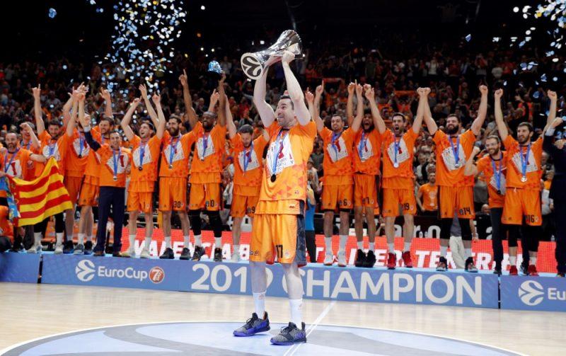 """""""Valencia"""" ceturto reizi triumfē Eiropas kausa izcīņā."""
