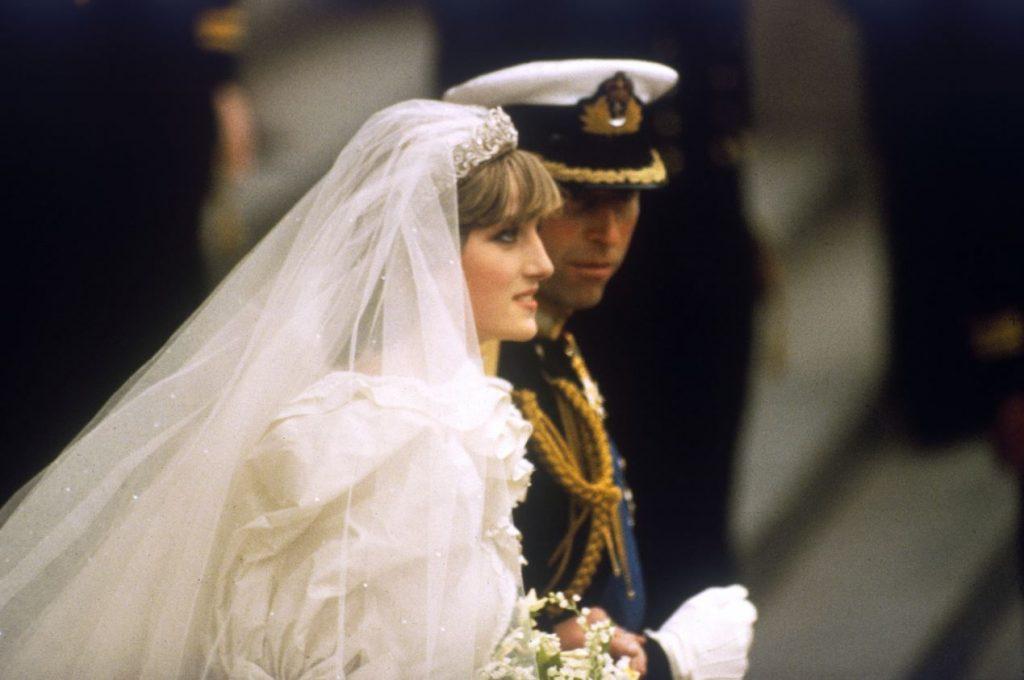 Princese Diāna un princis Čārlzs savā kāzu dienā – 1981.gada 29.jūlijā.