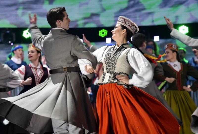 """Pavisam pieci kolektīvi, arī TDA """"Līgo"""" (attēlā) saņēmuši atbalstu dalībai XV Dziesmu un deju svētkos Kanādā."""