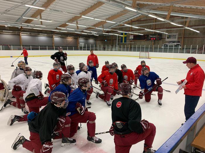 Latvijas U-18 hokeja izlase.