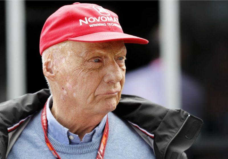 Austriešu uzņēmējs un trīskārtējs Pirmās formulas (F-1) pasaules čempions Nikijs Lauda pēc nāves ticis pie ielas Vīnes lidostā.