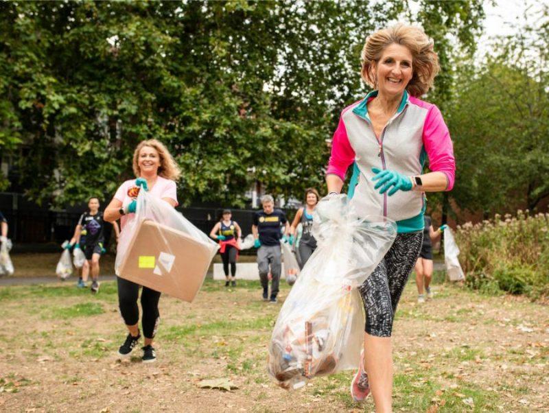 Plogings – jauns videi draudzīgs fitnesa trenda, kas apvieno lēno treniņa skriešanu ar atkritumu vākšanu.