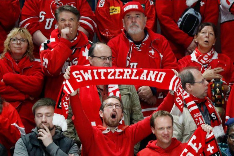 Šveices hokeja izlases līdzjutēji Bratislavā vēl nav izbaudījuši zaudējuma rūgtumu.