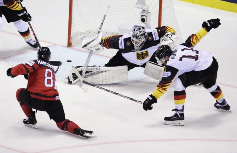 Kanādas izlase sagādāja vāciešiem pirmo zaudējumu.