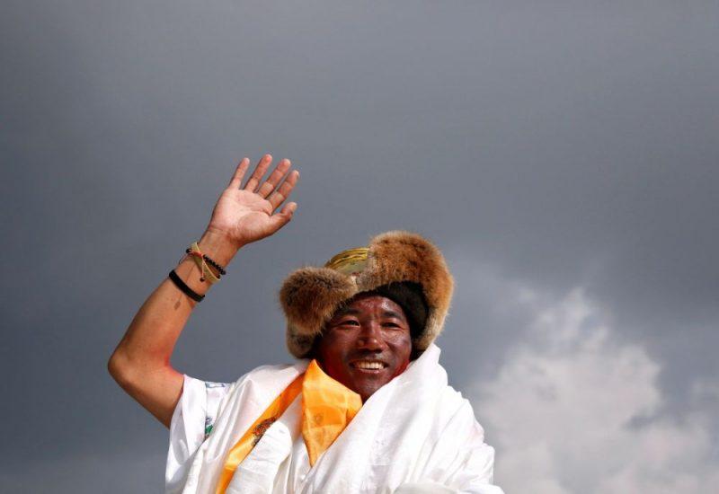 Nepāliešu šerpa Kami Rita otrdien 24.reizi uzkāpis Everestā.