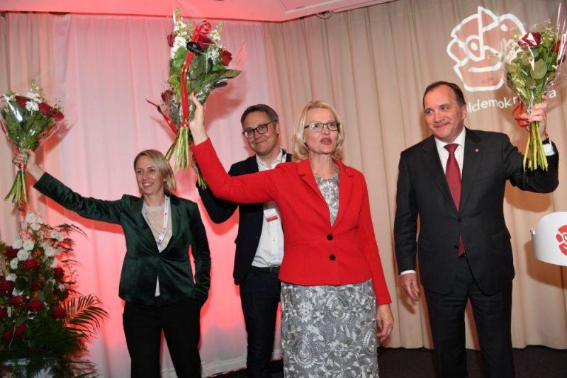 Eiropas Parlamenta (EP) vēlēšanās Zviedrijā svētdien visvairāk balsu izcīnījuši premjera Stēfana Levēna vadītie sociāldemokrāti.