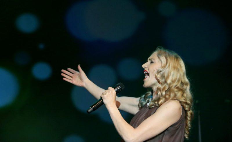 Dziedātāja Ance Krauze.