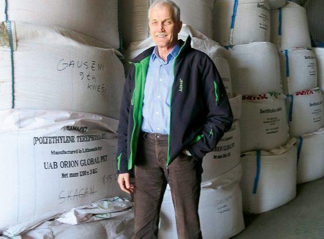 """""""Gausēnu"""" saimnieks Jānis Cielava izveidojis modernu sēklu audzēšanas saimniecību."""