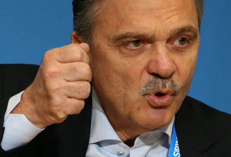 IIHF prezidents Renē Fāzels .