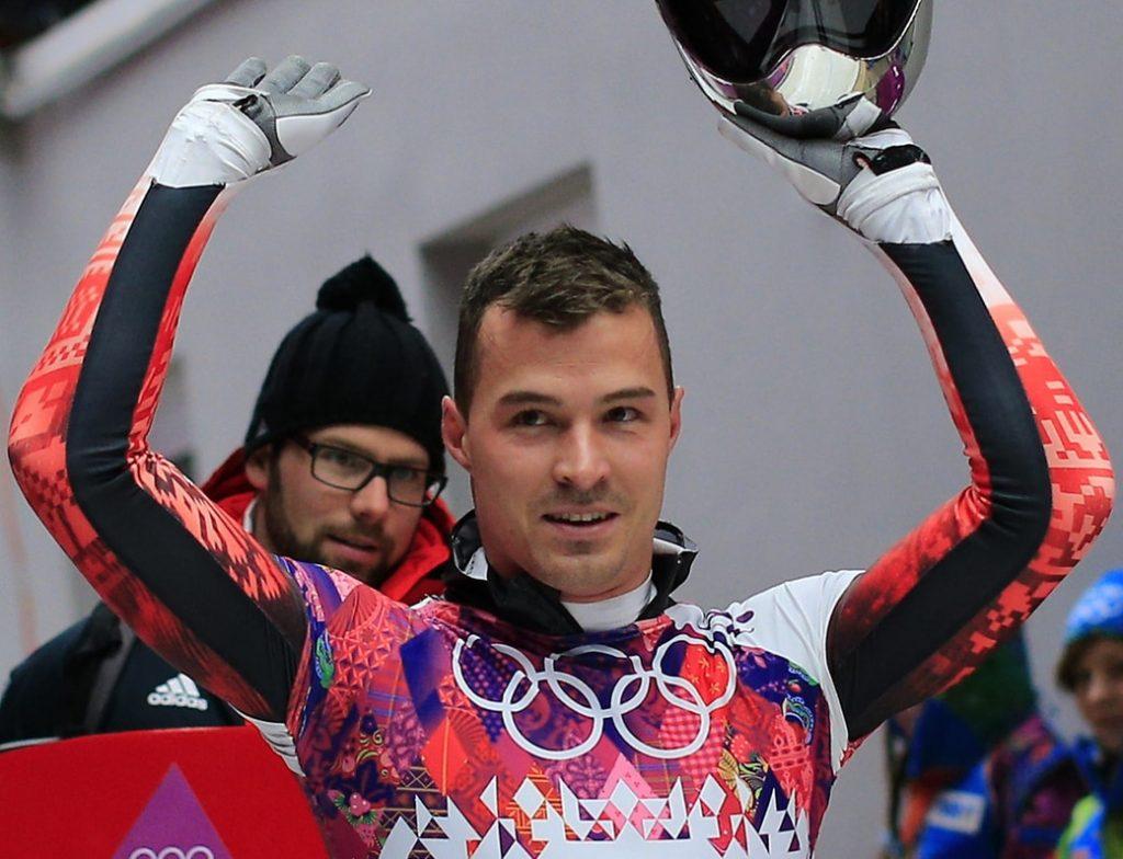Matiass Gūgenbergers būs brāļu Dukuru treneris ledus trasē.