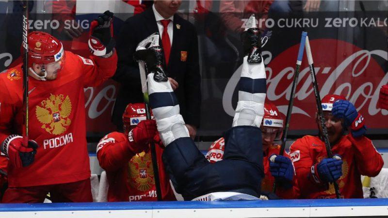 Breidijs Šejs pēc spēka paņēmiena atradās uz Krievijas izlases soliņa.