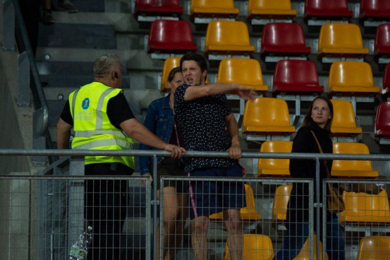 Ne visi spēj mierīgi uztvert Latvijas futbola izlases bezzobaino sniegumu.