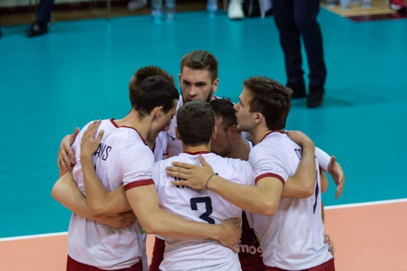 Latvijas volejbolisti, pirmo reizi spēlējot Eiropas Zelta līgā, izcīnīja trīs uzvaras sešās aizvadītajās spēlēs.