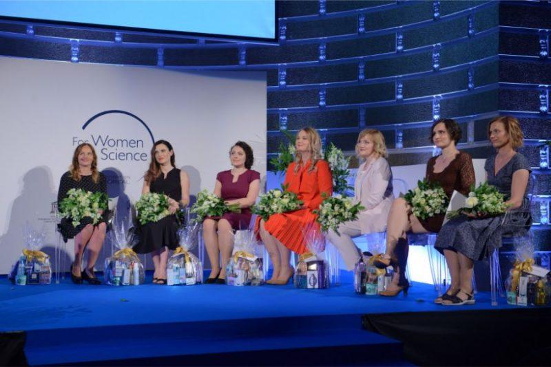 No kreisās: Milda Alksne, Jurgita Skiecevičiene, Jana Vecstaudža, Laura Dembrovska, Marina Makrecka-Kūka, Kārina Parta, Tūla Sepa.