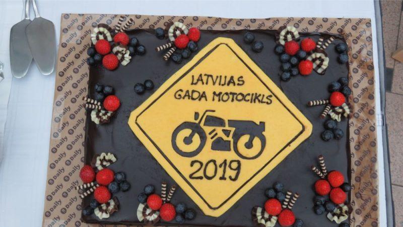 """Paziņo """"Latvijas gada motocikls 2019"""" titula ieguvēju."""