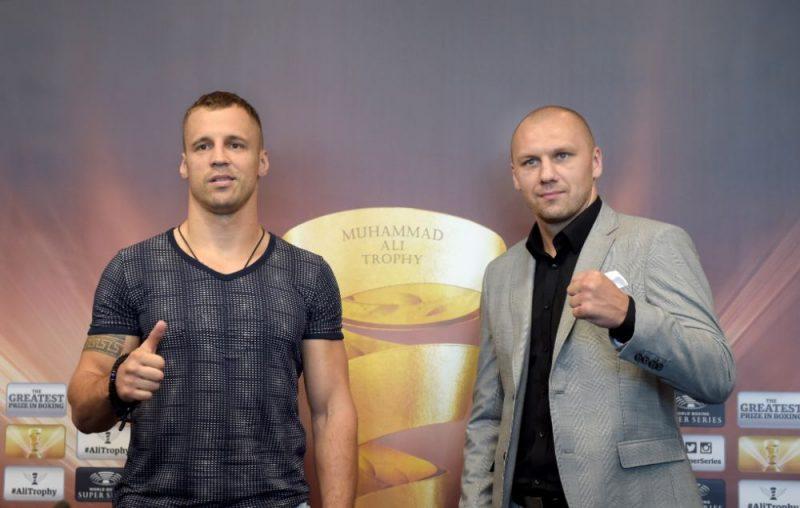 Mairis Briedis (no kreisās) un Kšištofs Glovackis.