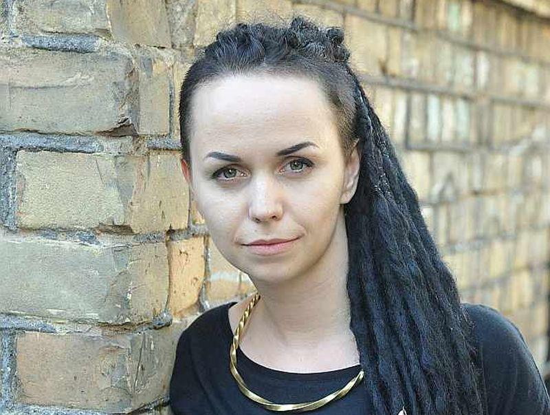"""Sindija Mačtama: """"Mani tēli ir skarbi, jo tikai rūdījums ir ļāvis latviešu senajām dziesmām izskanēt līdz mūsdienām."""""""