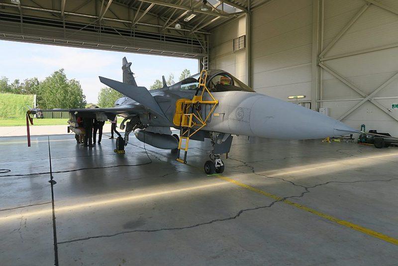 Šauļu gaisa spēku bāzē patlaban atrodas piecas ungāru lidmašīnas.