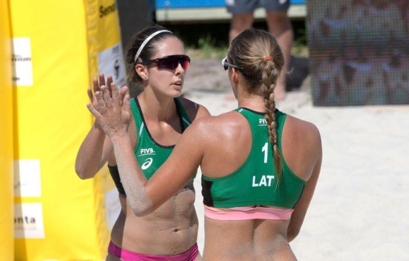 Anastasija Kravčenoka (no kreisās) un Tīna Graudiņa Varšavas turnīrā.