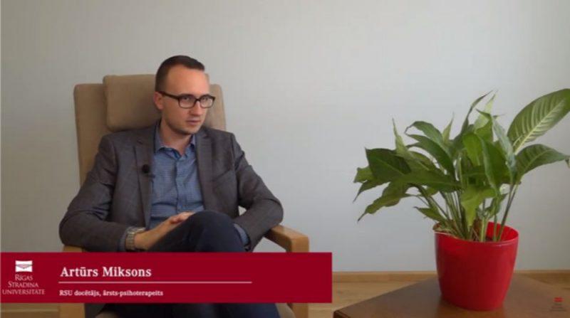Rīgas Stradiņa universitātes (RSU) docētājs ārsts–psihoterapeits Artūrs Miksons