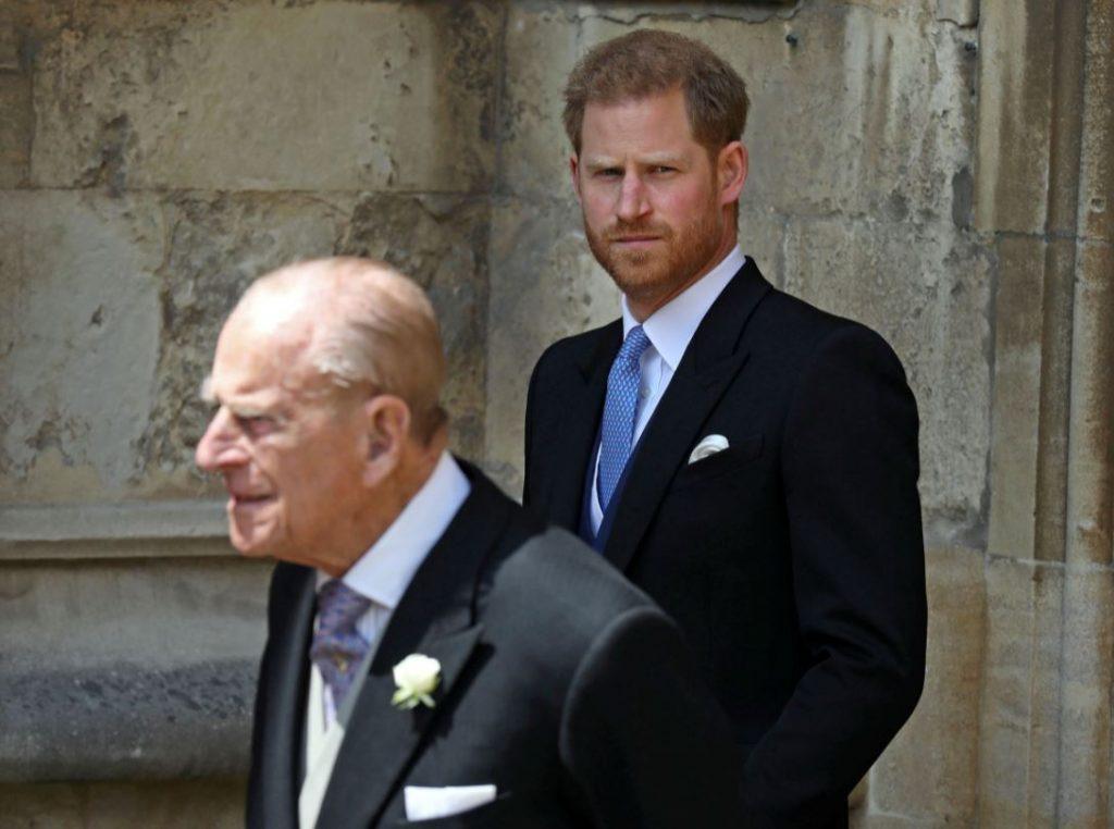 Princis Harijs un viņa vectēvs, princis Filips.