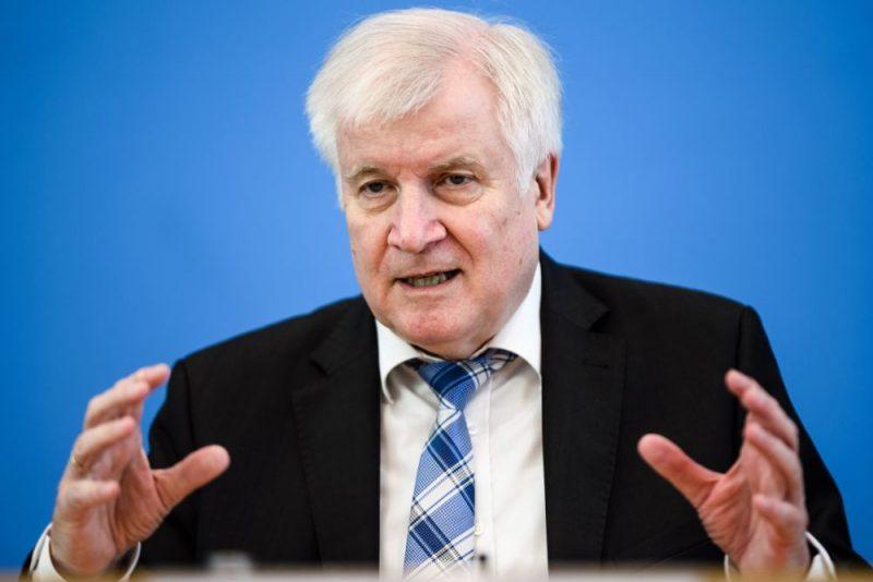 Vācijas iekšlietu ministrs Horsts Zēhofers.