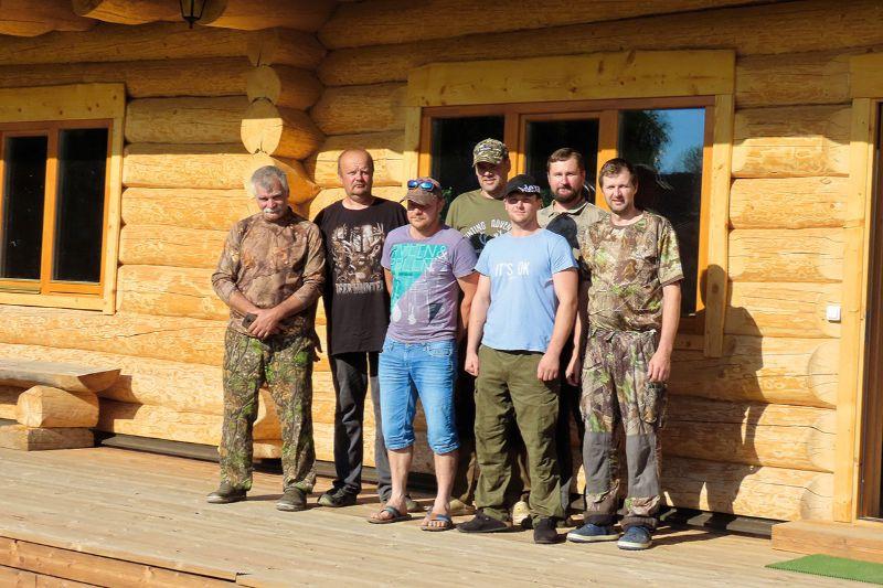 """Jaunās kluba """"Sātiņi"""" mednieku mājas projekts ir pabeigts un vīri ar to var lepoties."""