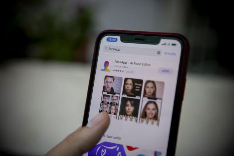 """Kaspersky: Viltus lietotne """"FaceApp"""" inficē upurus ar reklāmprogrammatūras moduli"""