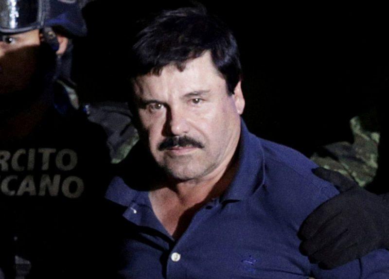 """ASV tiesa piespriedusi mūža ieslodzījumu meksikāņu narkobaronam Hoakinam Gusmanam, kas pazīstams ar palamu """"El Čapo"""" jeb """"Īsais""""."""