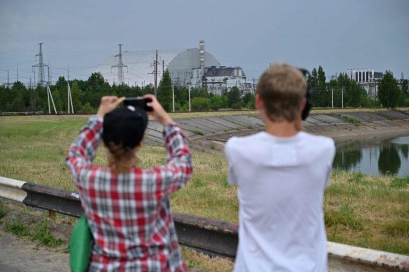 Černobiļā oficiāli atklāts jaunais kupols pār avarējušo AES