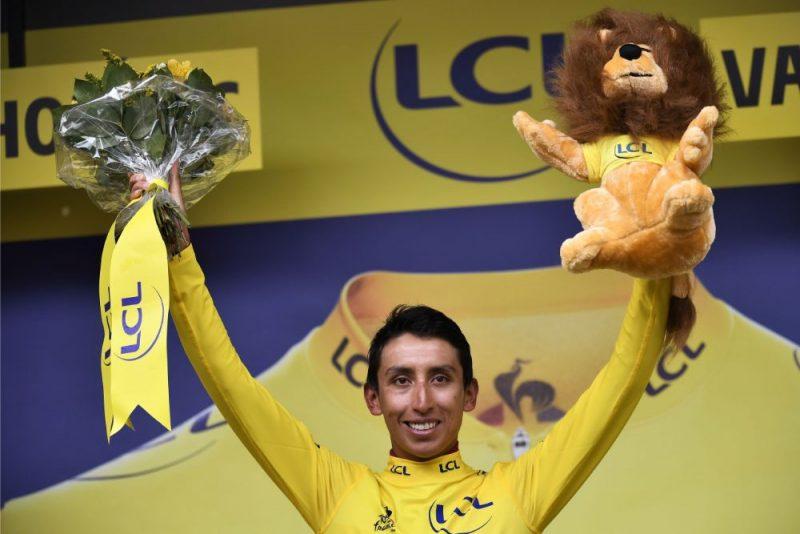 """Kolumbietis Ehans Bernals ir ļoti tuvu vēsturiskam panākumam """"Tour de France"""" velobraucienā."""
