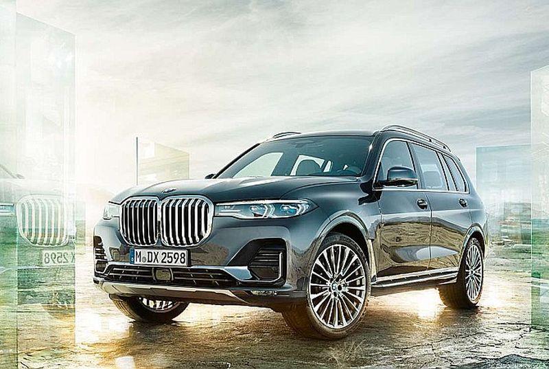 """Ceļu satiksmes drošības direkcijas dati rāda, ka Latvijā kopumā jau ir iegādātas astoņas dārgās """"BMW X7"""" automašīnas."""