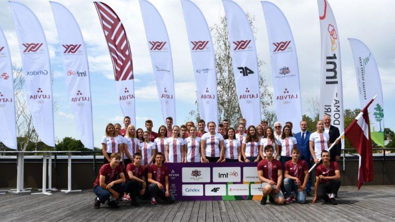 Latvijas sportisti pirms Eiropas jaunatnes Olimpiādes.