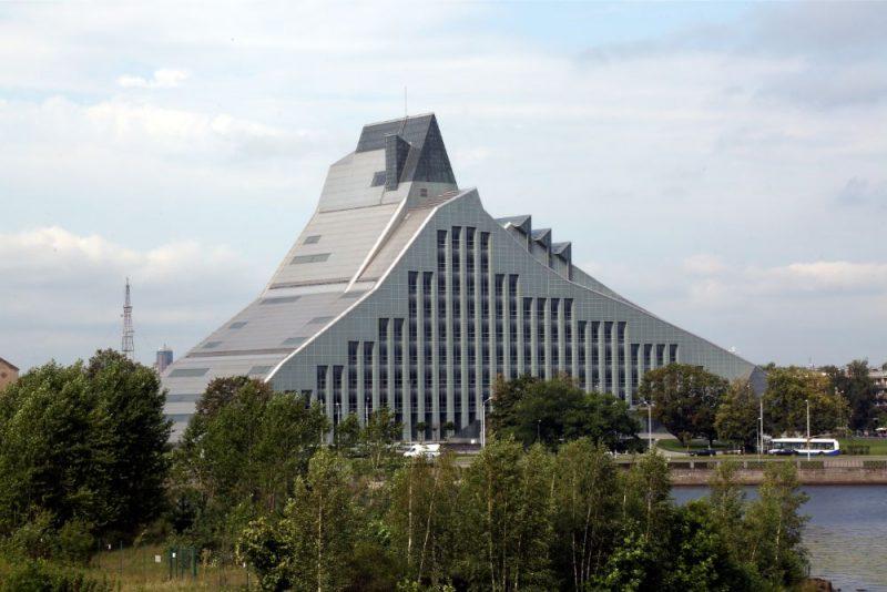 Latvijas Nacionālā bibliotēka.