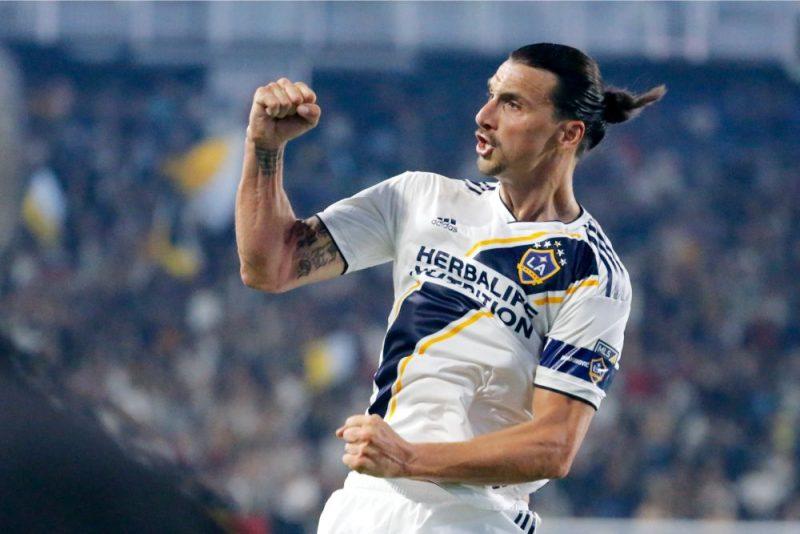 "Zlatans Ibrahimovičs atkal spēlēs ""AC Milan"" rindās."