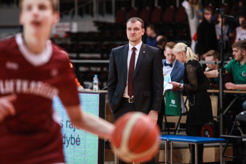 Treneris Sandis Buškevics.