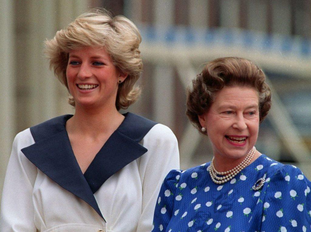 Princese Diāna un karaliene Elizabete II 1987.gadā.