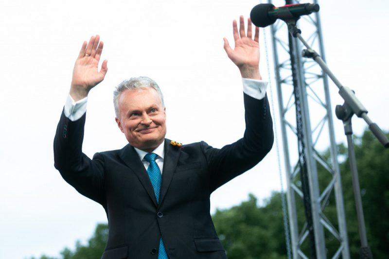 Lietuvas prezidents Gitans Nausēda dod zvērestu.