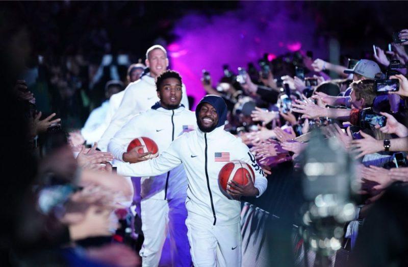 Basketbols Austrālijā ir cieņā – ASV izlases basketbolisti dodas laukumā.