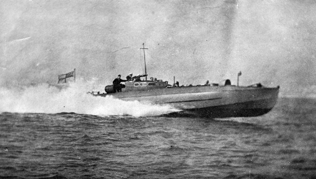"""Britu Pirmā pasaules kara laiku """"C.M.B."""" tipa torpēdkuteris."""