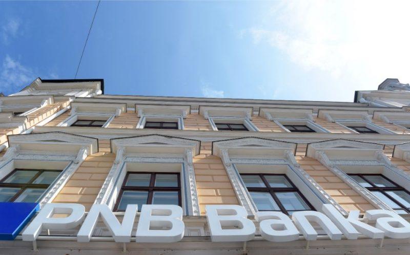 "Pēc Eiropas Centrālās bankas atzinuma, slēgta ""PNB banka""."