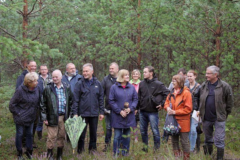 Pagājušajā nedēļā žūrija, kas sastāvēja gan no meža nozarei piederošu organizāciju pārstāvjiem, gan sabiedrībā pazīstamiem cilvēkiem, klātienē vērtēja divus meža īpašumus.