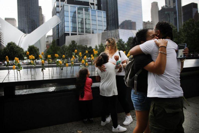 Ņujorkā notika piemiņas ceremonija, godinot teju 3000 cilvēku, kas tika nogalināti 2001.gada 11.septembra teroraktos.